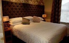 superior kingsize Room - The royal hotel coockstown