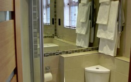 Family room Room ensuite - The royal hotel coockstown