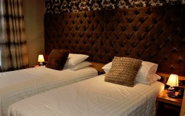 standard twin room ensuite- The royal hotel cookstown